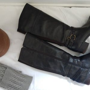 Unisa Women's riding boots size.